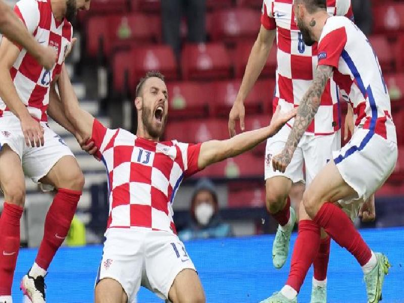 Sterling-header-enough-for-England-win,-Croatia-get-a-dominating-victory-over-Scotland