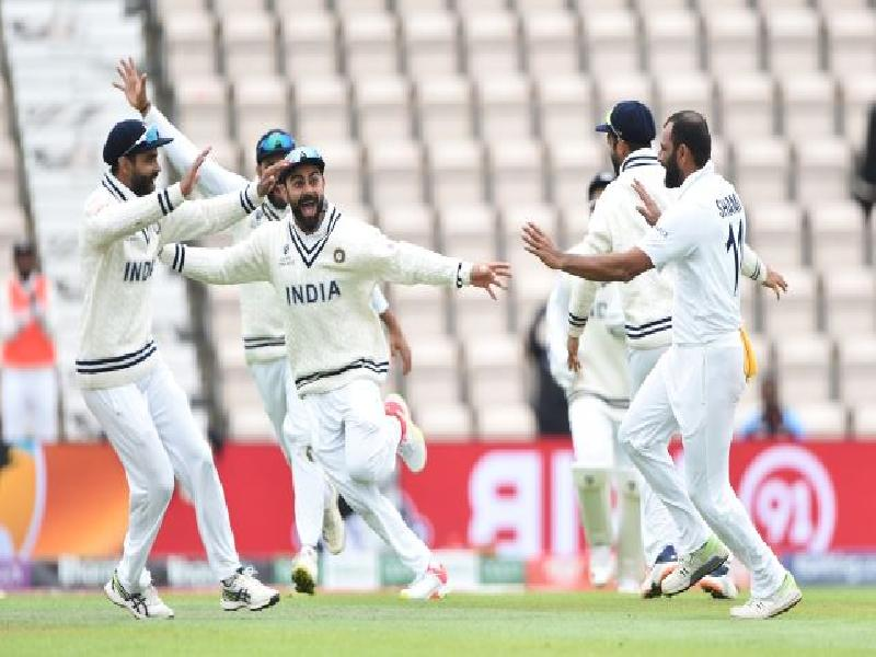 Day-5:-NEW-ZEALAND-END-THE-DAY-ON-A-HIGH,-SHAMI-PICKS-UP-4-WICKETS