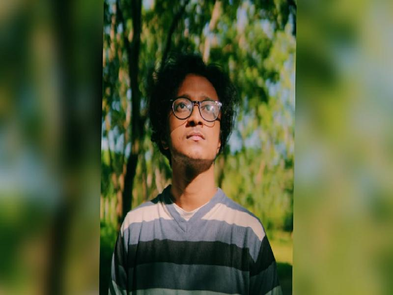 Cachar's-budding-artist:--A-conversation-with-Parthiv-Saha-who-has-a-gifted-voice
