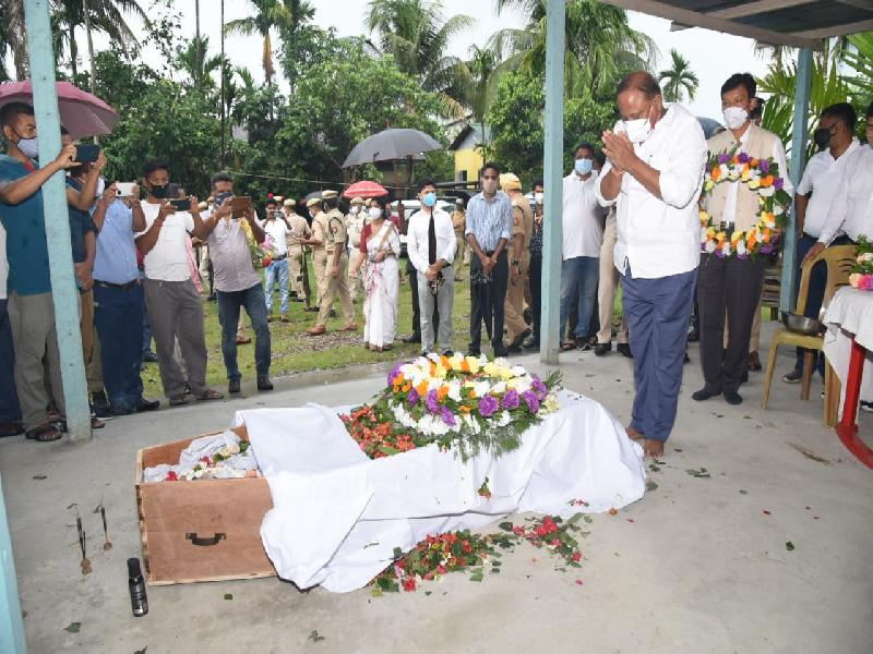 Ministers-Suklabaidya-and-Brahma-offer-final-respects-to-deceased-BPF-MLA-Narzary