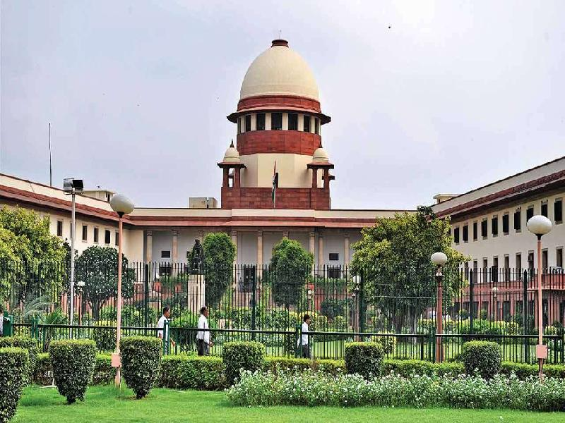 Supreme-Court-calls-Centre's-Paid-Vaccine-Policy-for-18-44-age-group-'Prima-Facie-Arbitrary-&-Irrational'